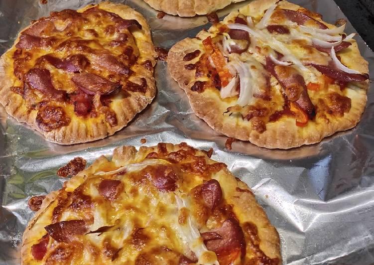 Recipe of Favorite Mini Sausage Pizza