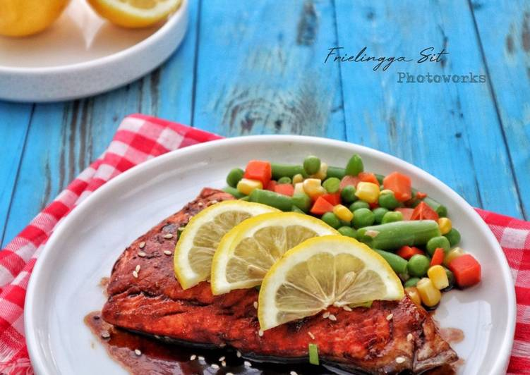 Steak Salmon Saus Teriyaki Simple