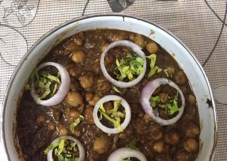 Foods That Make You Happy Amritsari pindi chole