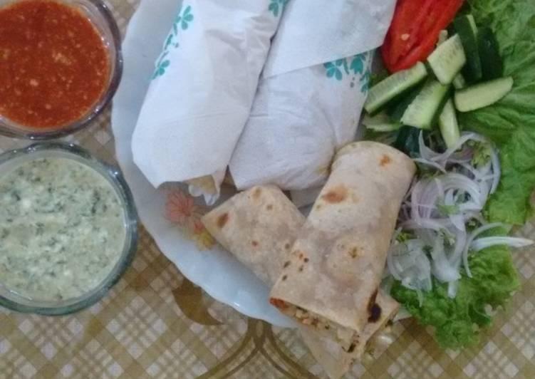 Hot and spicy chicken paratha roll