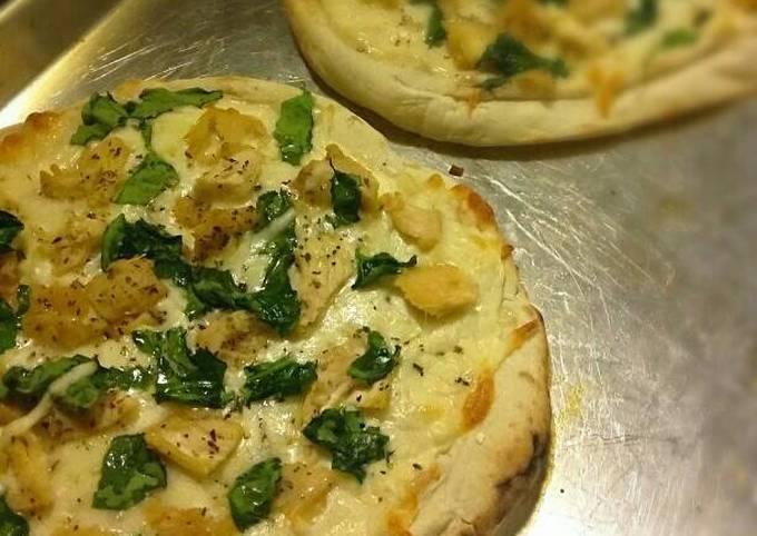 Quick & Easy Chicken Florentine Pizzas