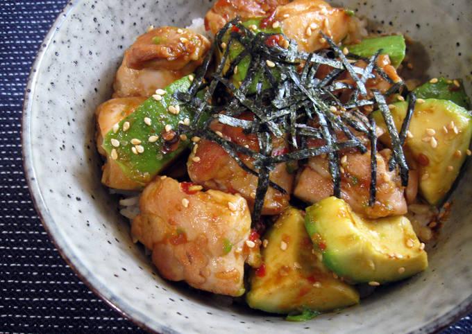 Garlic Teriyaki Chicken & Avocado Rice Bowl