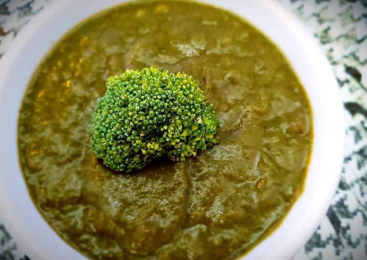 How to Prepare Yummy Broccoli spinach saag
