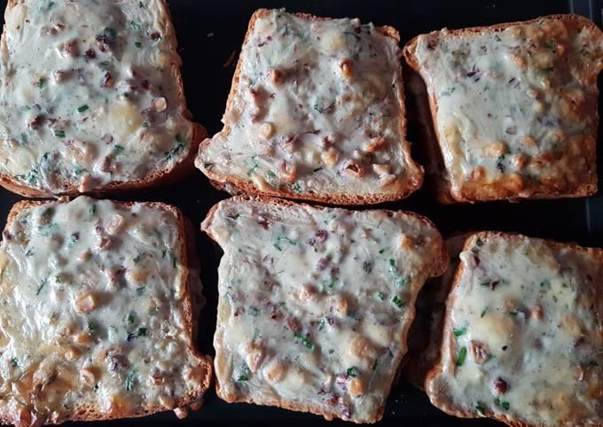 Croque monsieur jambon cru/bleu d'auvergne