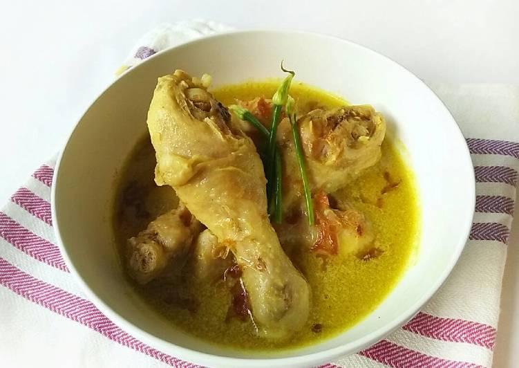 Opor Ayam Putih Simple - cookandrecipe.com
