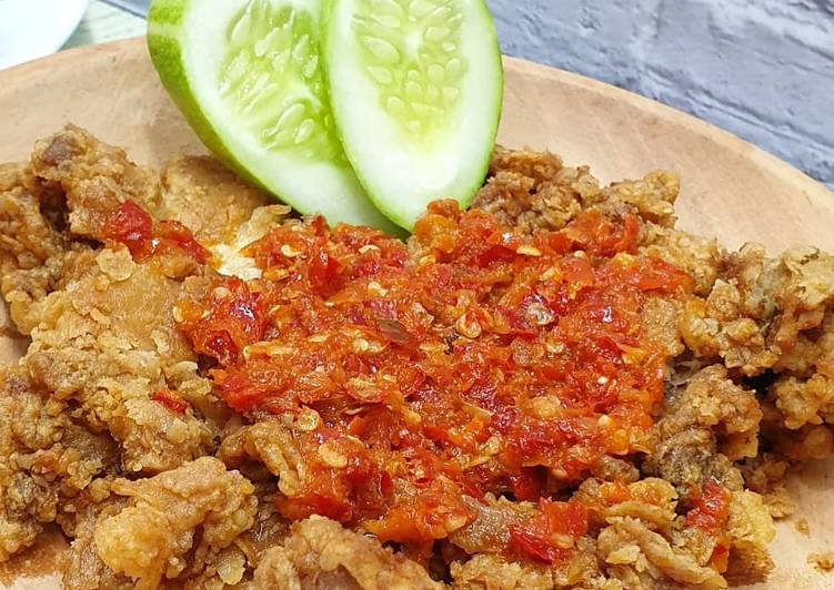 Ayam Geprek Crispy special sambal korek