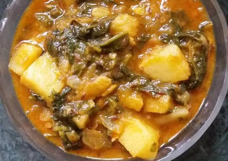Indian potata spinach curry