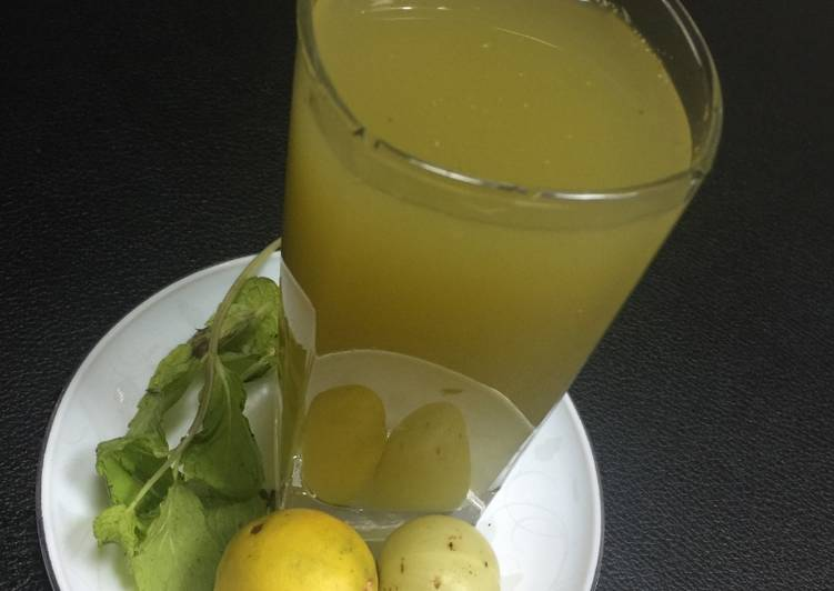 Minty Gooseberry Health Drink