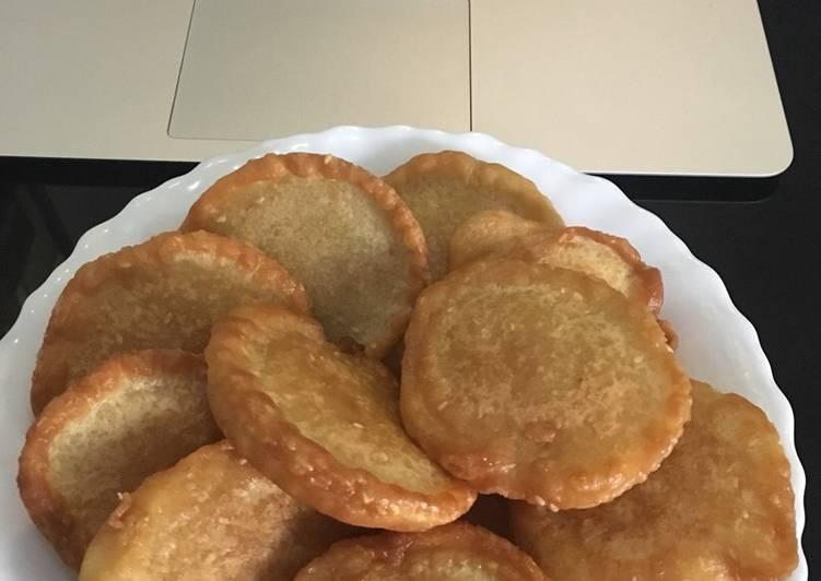 Kue Tepung goreng santan - cookandrecipe.com
