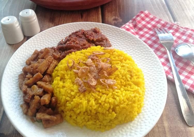 Nasi Kuning Banjar (mejikom)