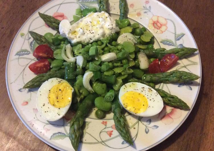 Salade fèves-petit pois, asperges et Burrata