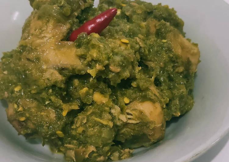 7. Ayam Lado Mudo (Cabe Ijo) khas Koto Gadang