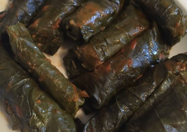 Yaprak Sarma (stuffed grape leaves)