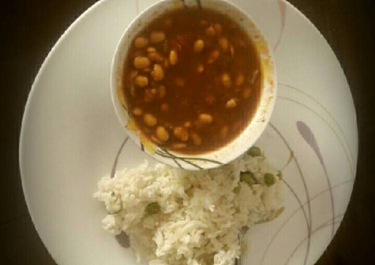 Soya bean curry with Peas Rice