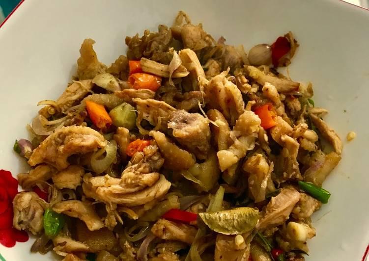 Ayam Sambal Matah Suwir Ala Ala