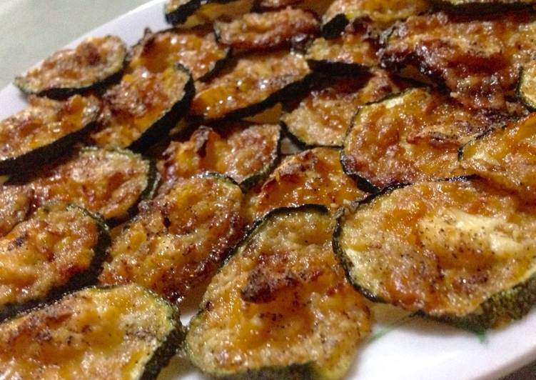 Zucchini Crisps / Fat Bombs / Keto Cheese Chips
