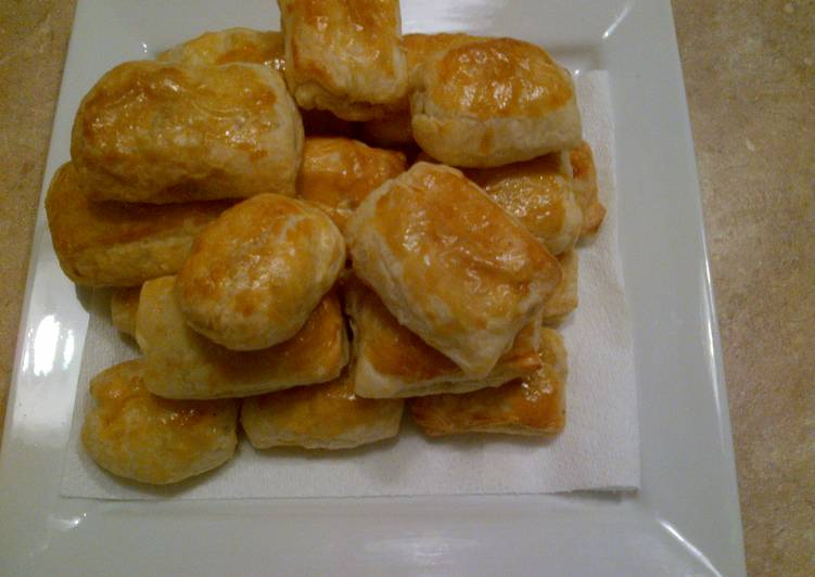 Recipe of Super Quick Homemade Bacon and Egg Puff Pastry