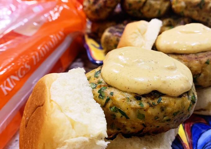 Bombay Sliders with Curry Sauce