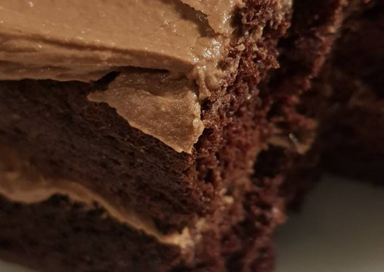 Chocolate cake with nutella buttercream