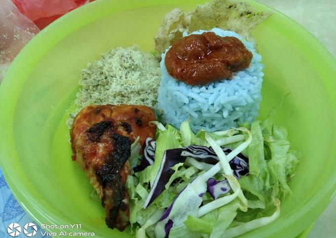 Nasi Kerabu Ayam Bakar