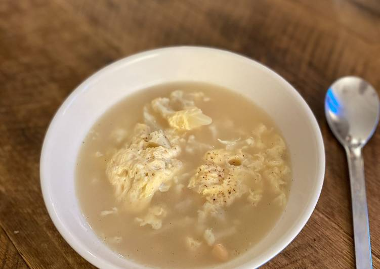 Cauliflower and Cannellini bean Garlic Soup