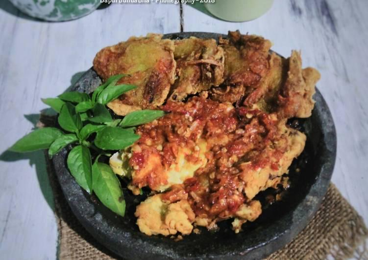 Ayam Geprek Sambel Korek (Memanfaatkan Ayam Sisa)