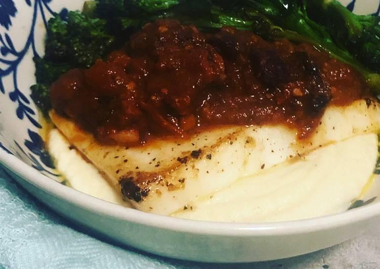 Recipe of Homemade Calamari with spicy chorizo sauce and cauliflower puree