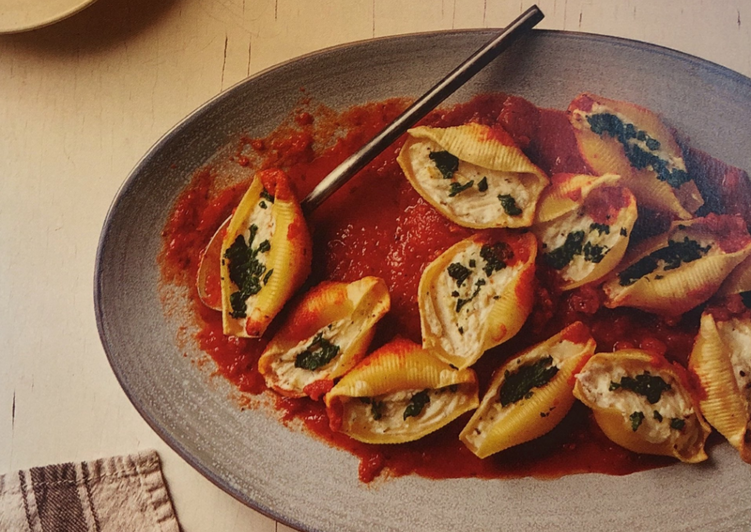 Recipe: Yummy Stuffed Shells with Spinach