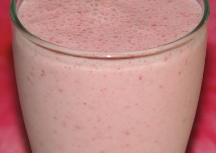 Simple Way to Make Perfect Strawberry & Oats Smoothie