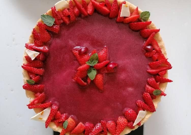 Tarte aux fraises et cerises