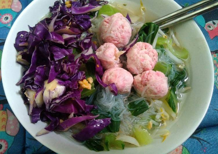 Bakso ayam sehat with rich vegetables #siapramadhan