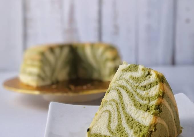Matcha Marble Soufflé Cheesecake