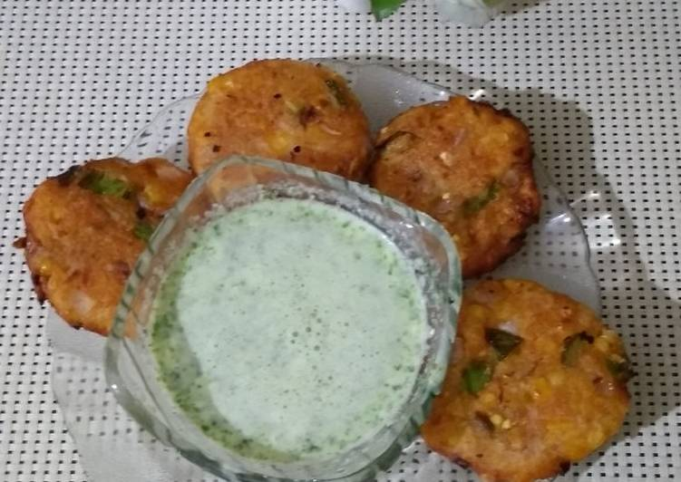 Corn potato snacks with garlic curd dip