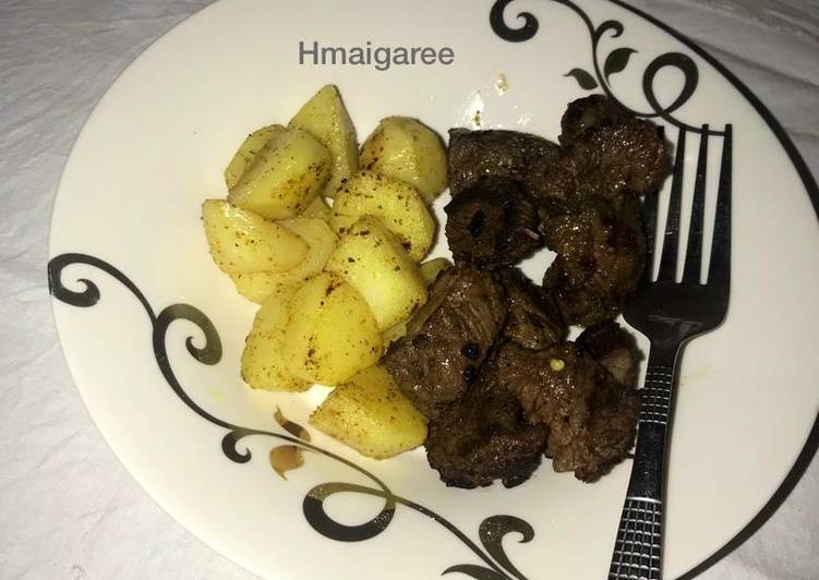 Steps to Prepare Favorite Pan grilled beef and garlic potatoes