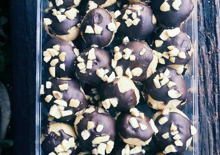 Skippy Chocolate Peanut Cookies