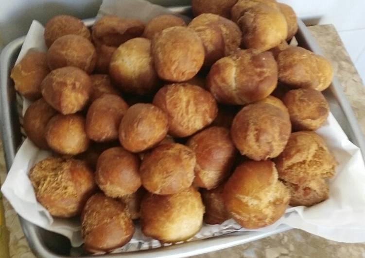Bolitas de harina con coco rallado