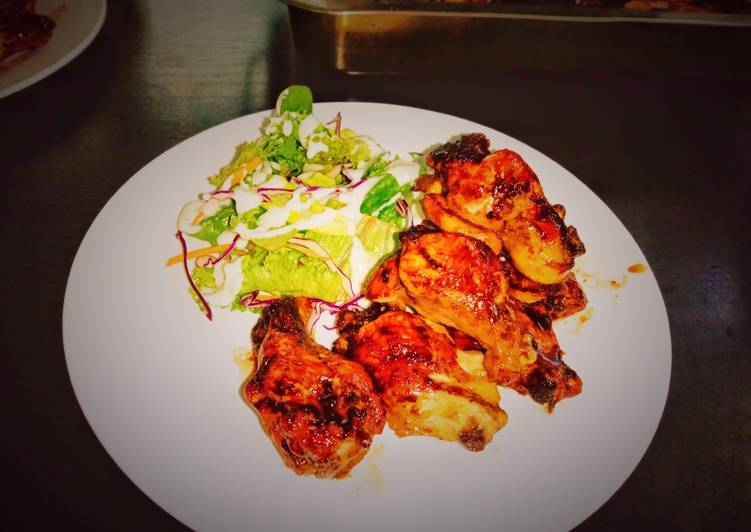 Pa's Buffalo wings mild spice with crispy ranch salad