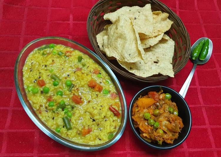 Healthy Mixed Veg Khichdi