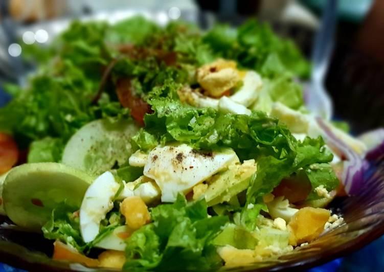 Pinoy Chili Tuna Salad