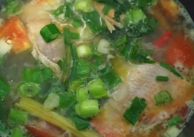 Cara Gampang Menyiapkan Sup Ikan Nila Sederhana Anti Gagal