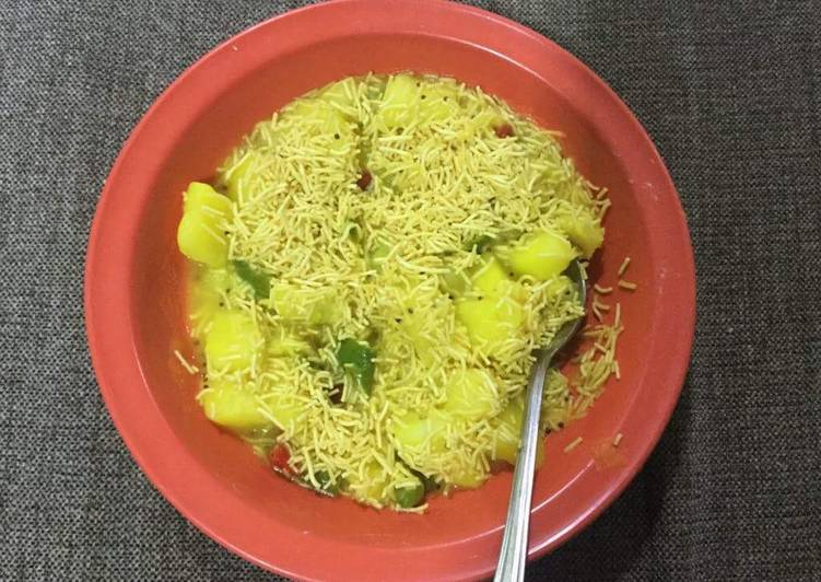 Vidhya Halvawala> Home made food (veg only)