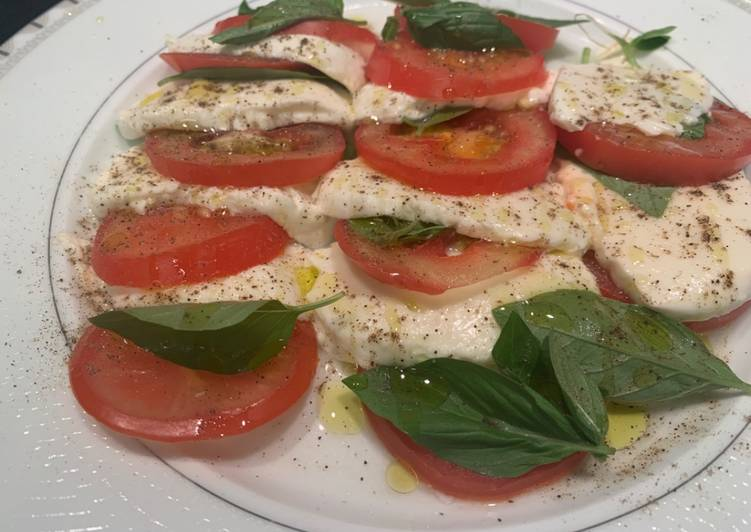 How to Make Super Quick Homemade Tomatoes & mozzarella salad