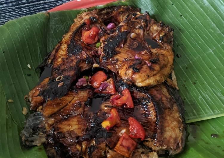 Ikan Emas Bakar