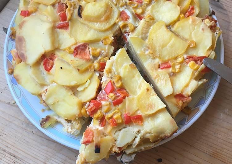 Tortilla mit Mais, Paprika und Tomaten