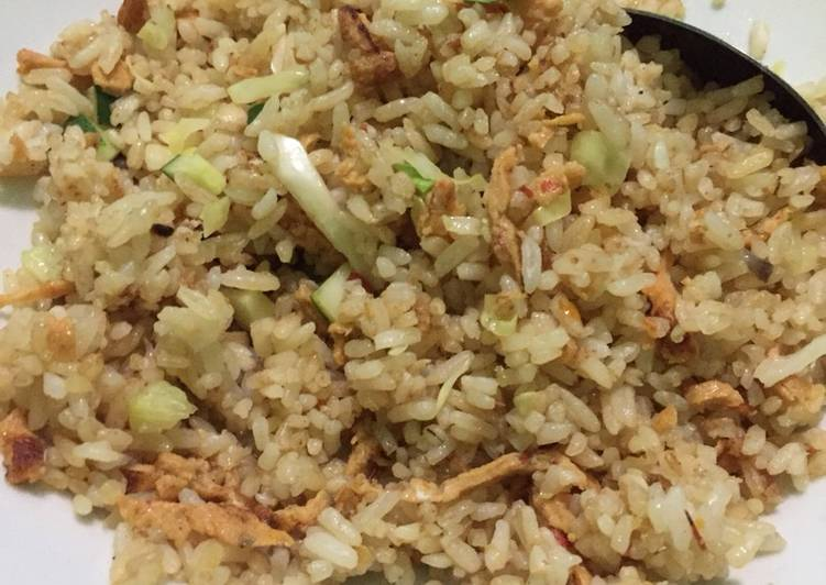 Bagaimana Menyiapkan Nasi Goreng Terasi Spesial Anti Gagal