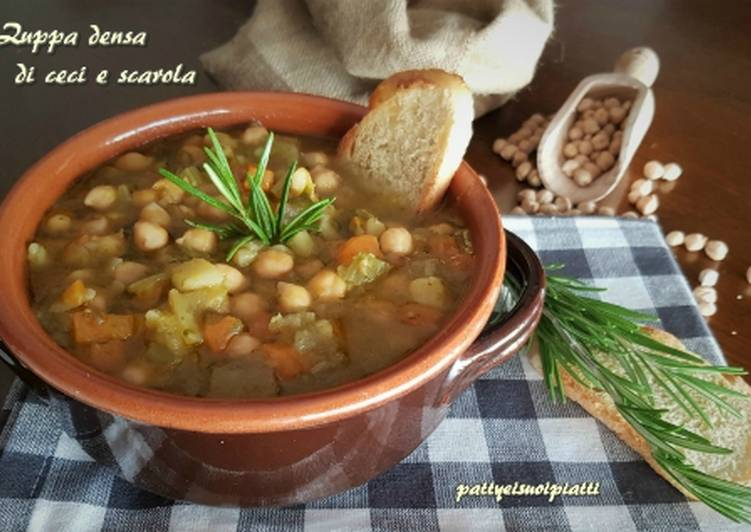 Zuppa densa di ceci e scarola
