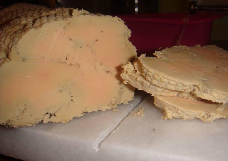 Nos 10 Meilleures Recettes de Foie gras de canard au torchon (avec truffes pour ceux qui ont eu la chance d'être passés au marché de Sainte-Alvère dans le Périgord !)