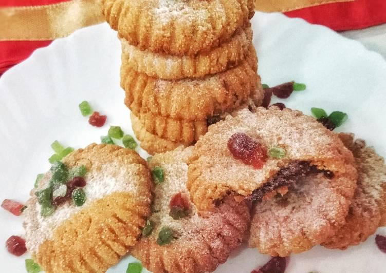 Gulkand Semolina Cookies