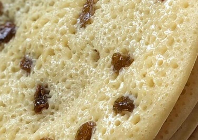 Recette Appétissante Crêpes aux mille trou avec raisin sec
