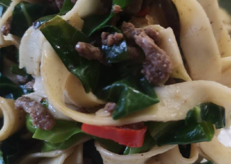 How to Prepare Speedy Fusion tagliatelle, steak mince, spring greens Asian style